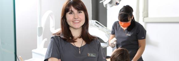 Placa bacteriana - Pete en manos de los mejores higienistas dentales