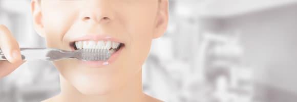 Mal aliento - Una correcta higiene bucal es fundamental para evitarlo.