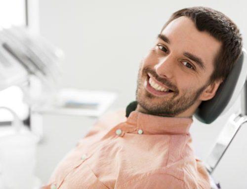 Todo lo que necesitas saber sobre la gingivitis: qué es, síntomas y tratamientos