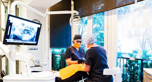Éxito en el tratamiento con regeneración ósea