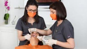 Caries dental, ¿cuáles son sus causas y sus tratamientos?