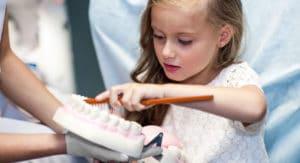 Enseñarle los mejores hábitos de higiene y prevención.