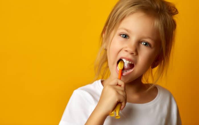 ¿Cuándo debo llevar a mi hijo al dentista?