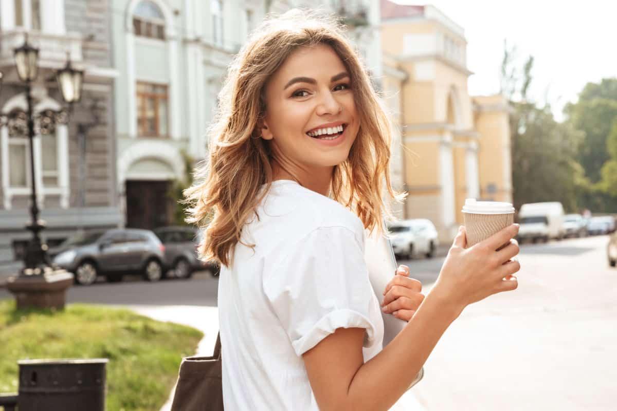 ¿Quieres mejorar tu sonrisa? la estética dental es tu solución.