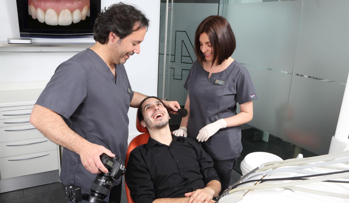 Mejorar tu sonrisa gracias a la estética dental