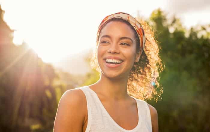 Recobra la estética de tu sonrisa gracias a la implantología dental